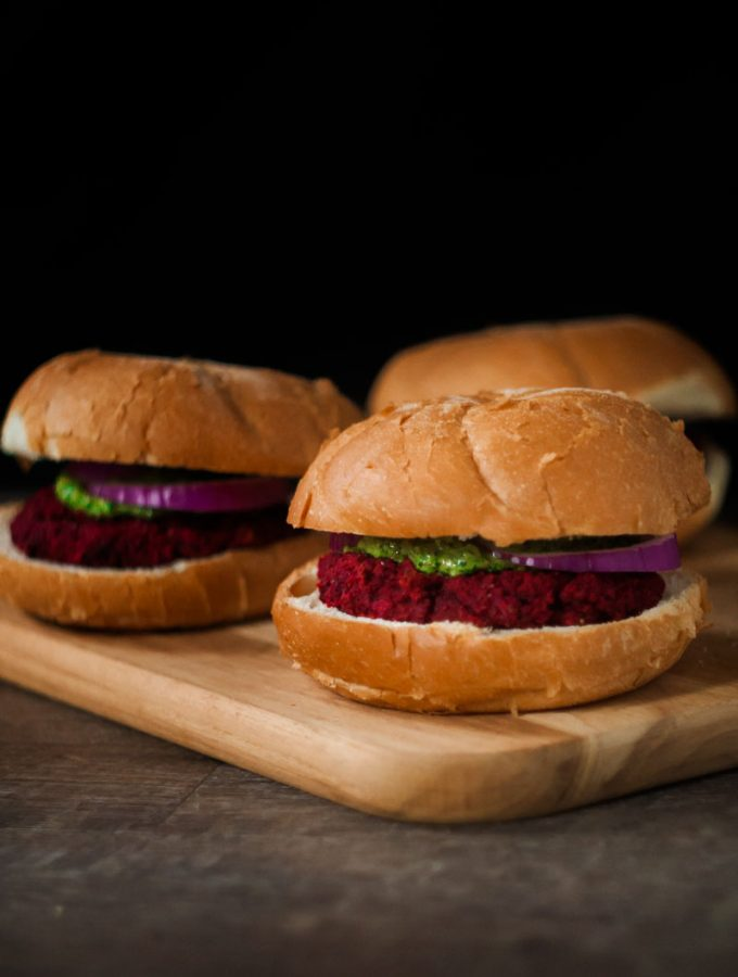 Vegan beet burger with pesto.