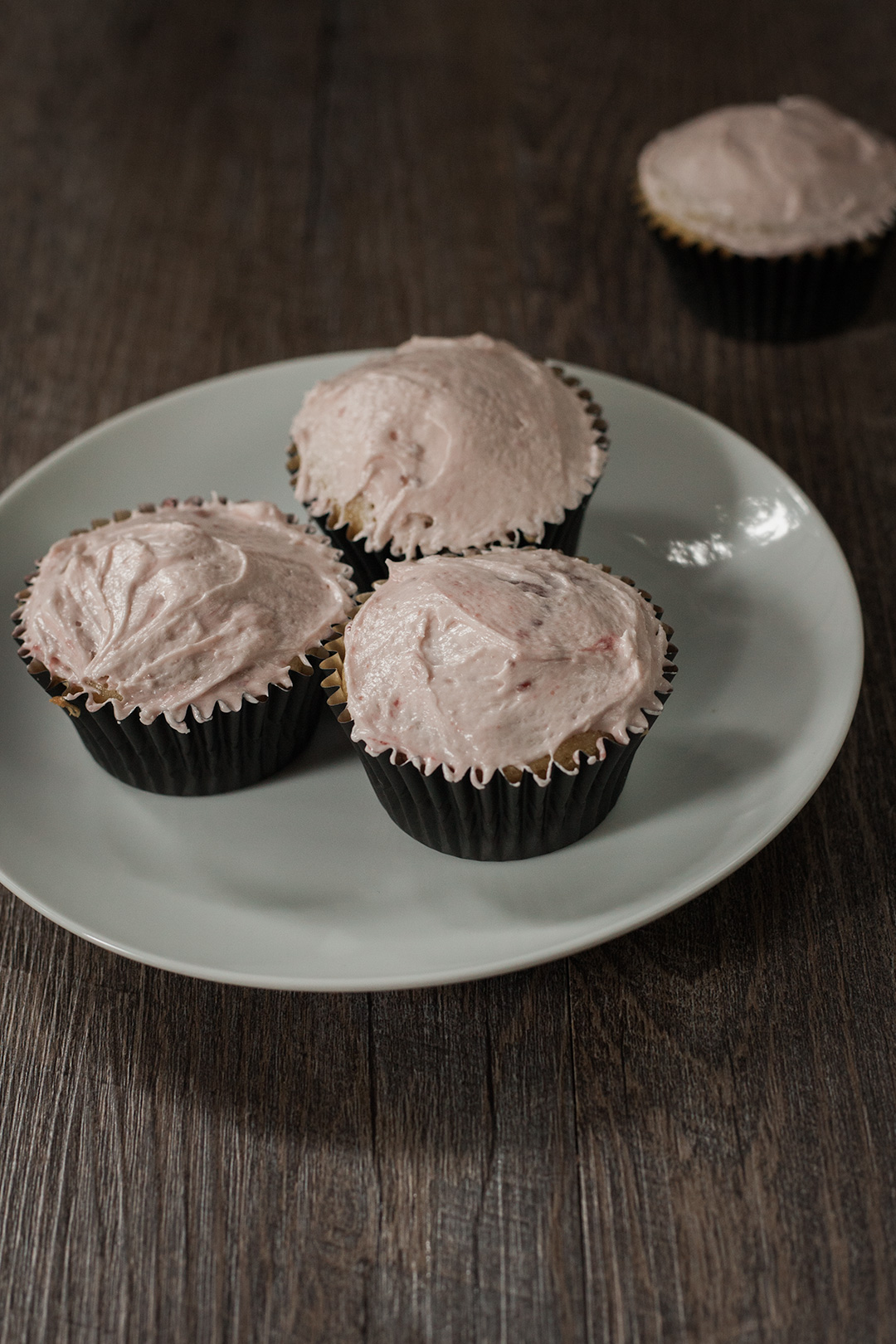 Frosted vegan cupcakes.